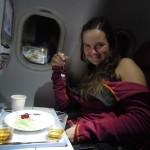 V letadle po cestě slavíme Klářiny narozeniny