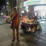 V noci po příletu do Taipei na nás přišel hlad a tak jsme vyrazili ulovit něco k snědku - jak jinak než na ulici